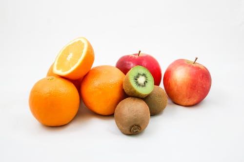 La frutta di stagione ha tutte le vitamine che ci occorrono!