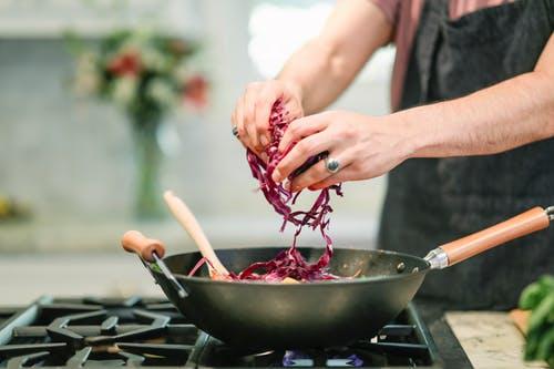 Cucinare in maniera leggera si può!